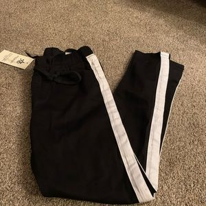 NWT black and white skinny joggers